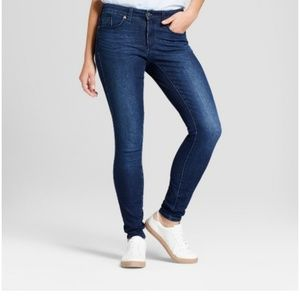 Universal Thread mid-rise skinny jeans size 4